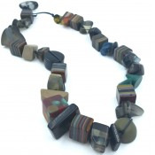 Collier Indiana Gris